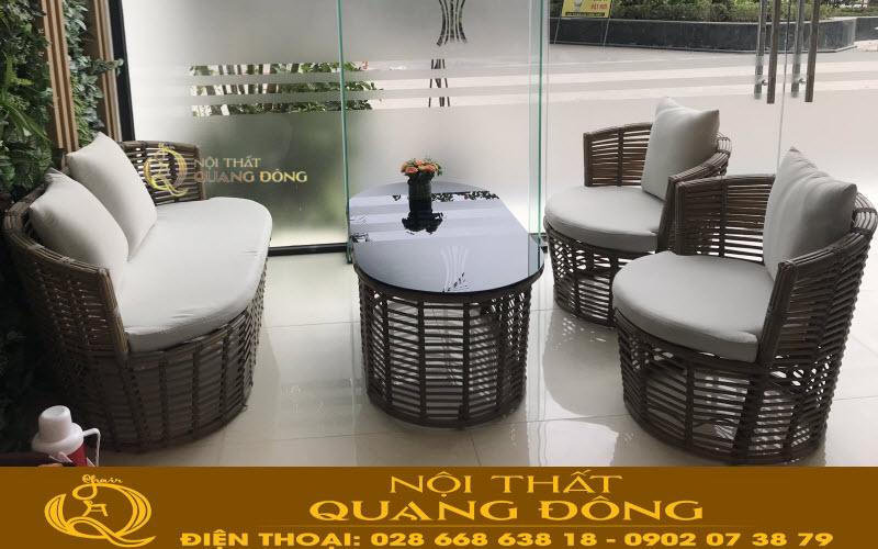 Mẫu bàn ghế giả mây sử dụng nhựa giả mây bản dẹp kháng tia UV