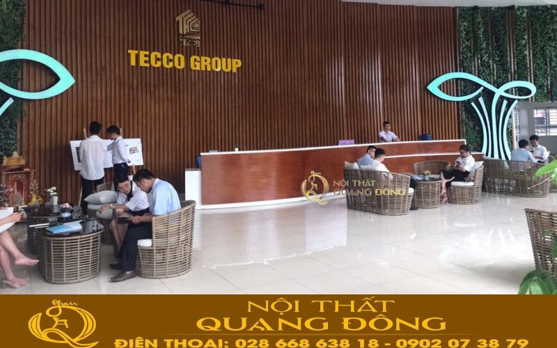 Không gian tiền sảnh của Teco Hà Nội với điểm nhấn là những bộ bàn ghế giả mây Quang ĐÔng