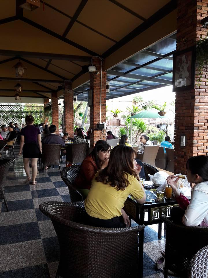 Bàn ghế giả mây QD-074 cho không gian cafe Lâm Viên Gia Lai