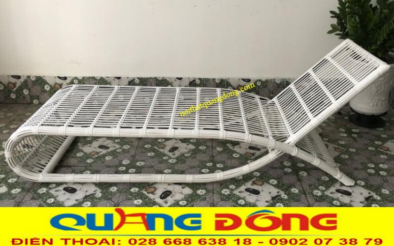 Mẫu ghế nằm hồ bơi màu trắng QD-563