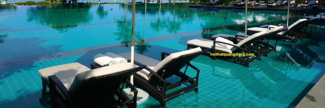 Ghế nằm hồ bơi